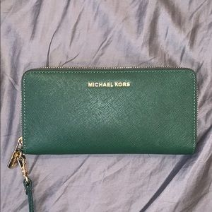 Michael Kors olive green wallet